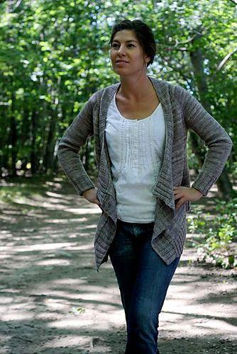 Must Knit the Effortless Cardigan by Hannah Fettig ~ on Ravelry