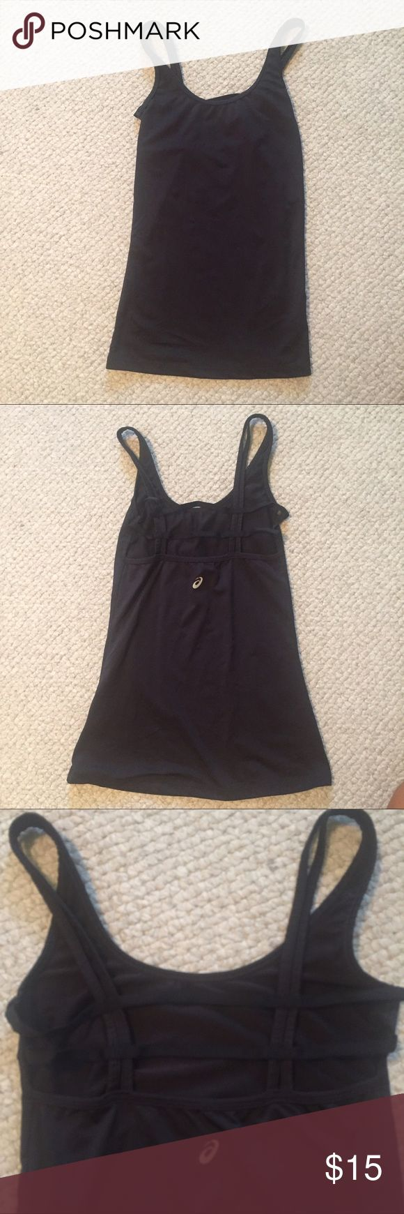 Asics Workout Tank top Only worn once workout tank top! Very good condition and perfect for anyone who likes to workout in style! Asics Tops Tank Tops