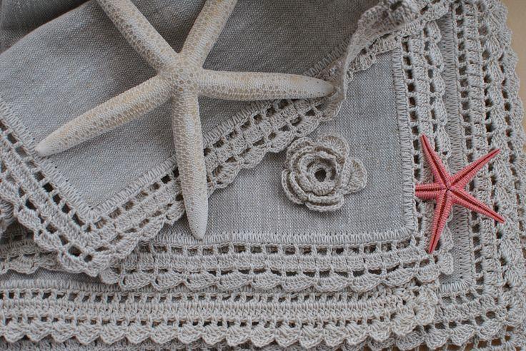 manteles individuales en lino y crochet