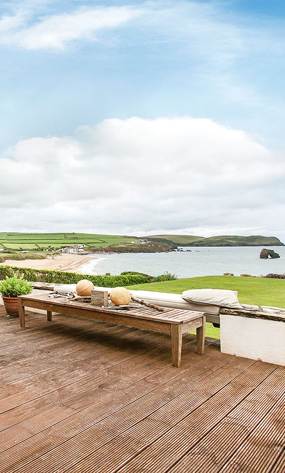 Imagine waking up, looking out of your window and seeing this!  Overlooking Thurlestone Sands, Hope Lodge provides the most beautiful accommodation for a holiday by the sea