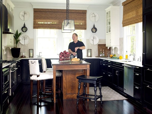 black cabinets- perfect for this kitchen with lots of windows/no uppers