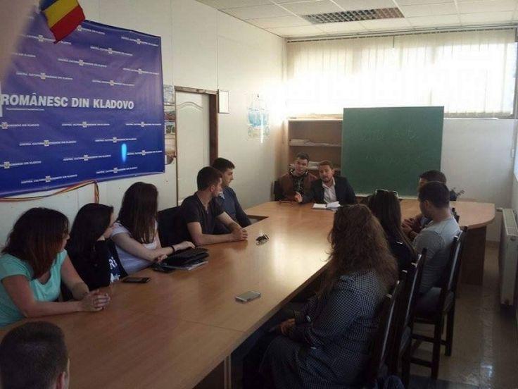 Masa rotunda a studentilor timoceni, la Kladovo