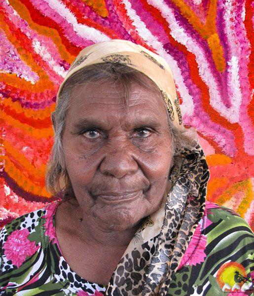 Australian Aboriginal Artist Evelyn Pultara #aboriginalart #aboriginalpainting #australianart