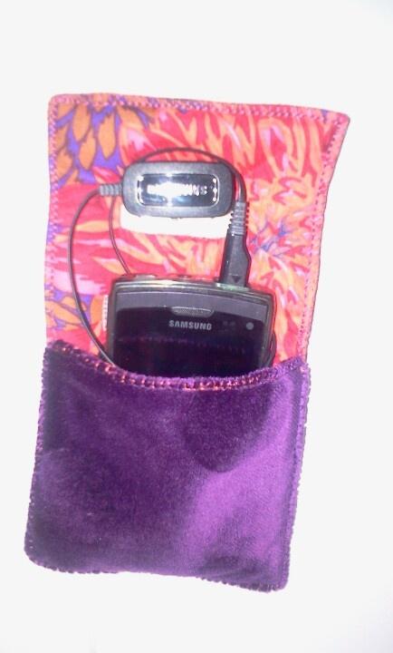 Ne laissez plus votre portable par terre pour le recharger