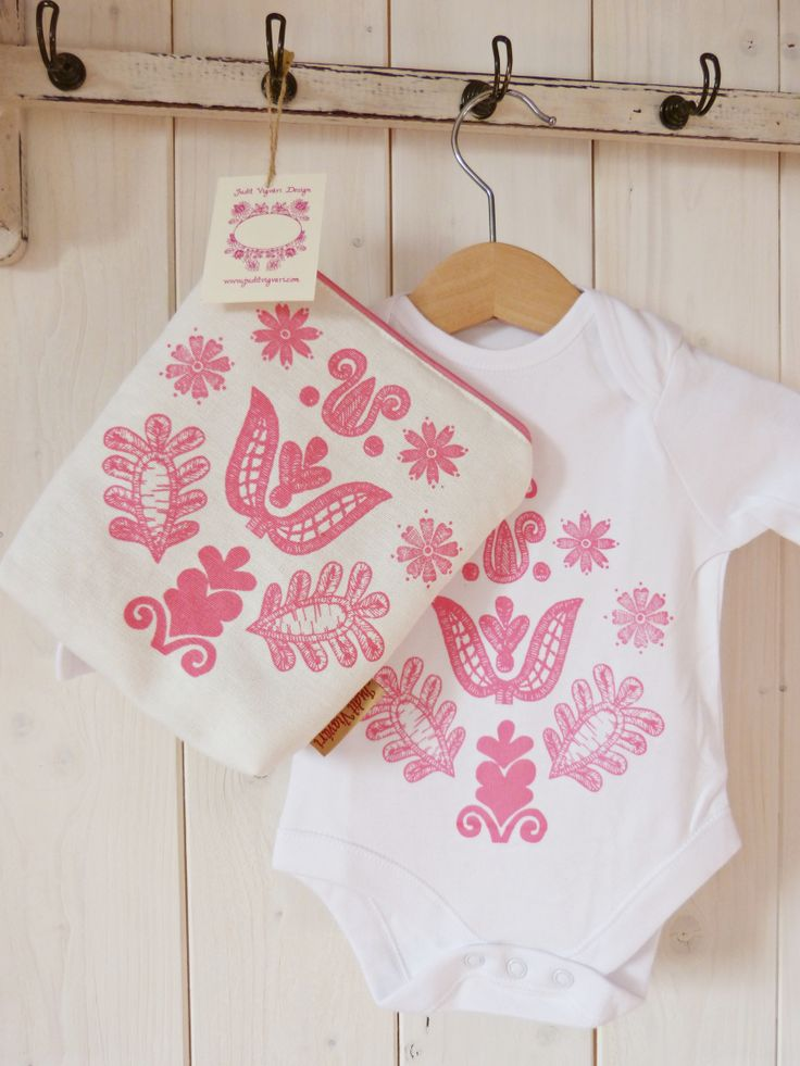 Baby body for Baby Girls. Pourse and body with the same pattern.  Sreen printed. Handmade by Judit Vigvári ( Folk Affair)