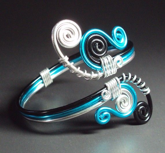 Coloured wire ring