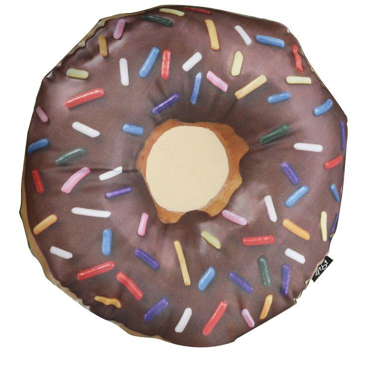 GibiDesign - Çikolatalı Donut - Yastık / Kırlent Chocolate Doughnut Cushion  Evinizin en lezzetli aksesuarı Çikolatalı Donut şekilli yastık / kırlent.    * Gibi Tasarım Ürünü  * Çikolatalı Donut Şekilli Yastık / Kırlent  * Silikon Elyaf Dolgulu  * Saten Kumaşa Özel Tasarım Baskı * Arkası Beyaz Saten  * El İşçiliği Kesim ve Dikiş  * Nemli Bez ile Silinebilir  * Ölçüler = En: 40 cm, Derinlik: 15 cm , Yükseklik: 40 cm