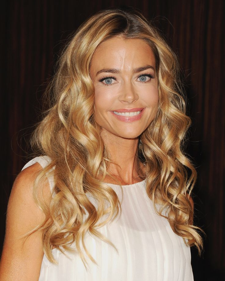 14 Honey Blonde Hues That Look Good on Pretty Much ...