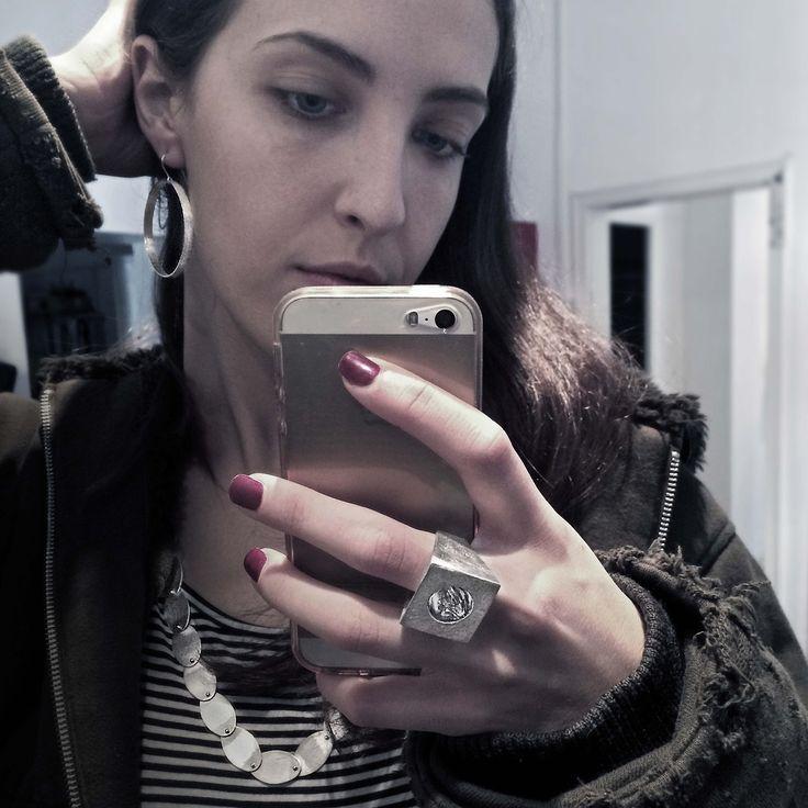 Contemporary silver look of the day. Infinito earring + Movimento ring + modular silver necklace. © Alberta Vita