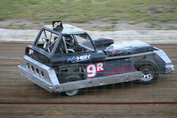Anthony Brown in the Tank racing at Huntly Speedway for the 2011-2012 New Zealand Superstock Champs