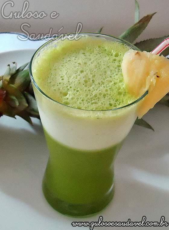 Receita de Suco de Abacaxi com Couve e Limão