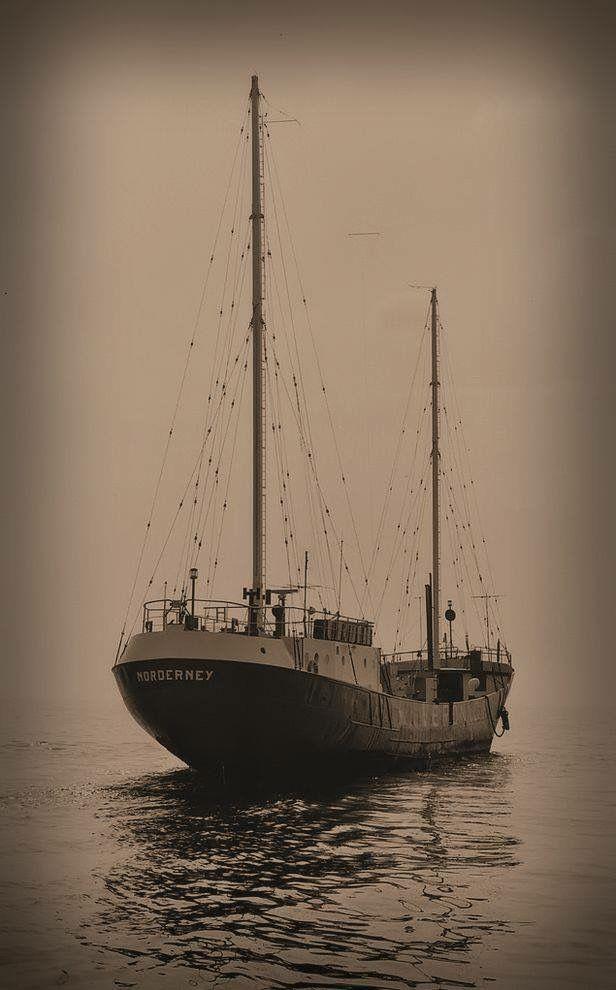 Er ligt een schip op de Noordzee,Radio 192-Veronica.