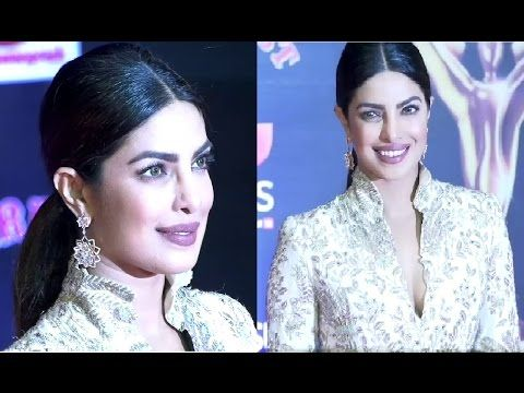 Priyanka Chopra At Sansui Stardust Awards 2016.