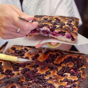 Wine Grape Pie (Schiacciata con l'Uva) Recipe - Edamam