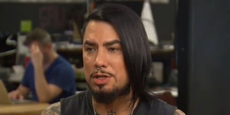 """Dave Navarro is one of the bevy of celebrities appearing in PSAs about domestic violence for the """"No More"""" campaign, spearheaded by """"Law and Order: SVU"""" star Mariska Hargitay. In a HuffPost Live interview Monday, Navarro opened up..."""
