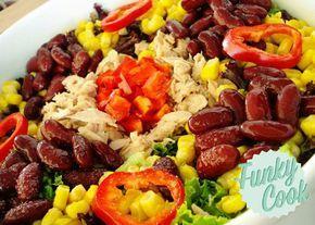 Τονοσαλάτα, μια σαλάτα γεμάτη λαχανικά, τόνο, ένα πλούσιο, χορταστικό γεύμα!
