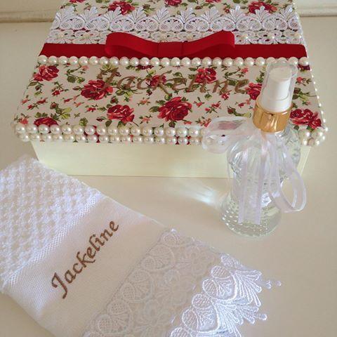 Presentes personalizados  #presentespersonalizados #presentearcomestilo #artesanato #casamentos #madrinha #batizado