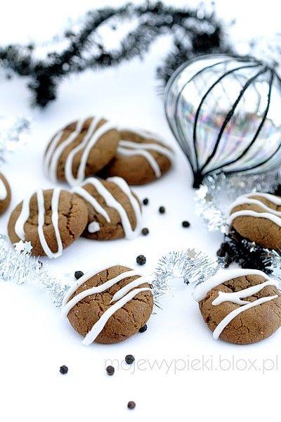 Pieprzne imbirowe ciasteczka świąteczne