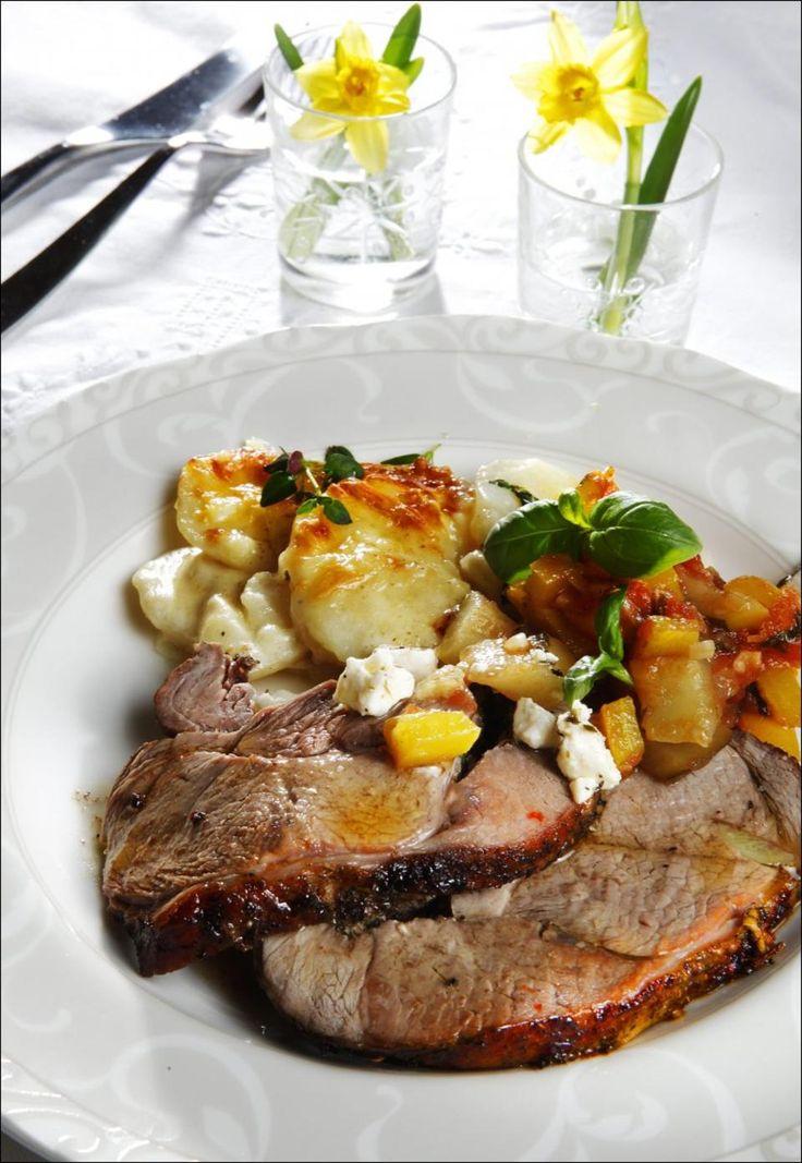 Lammestek med fløtegratinerte poteter og ratatouille