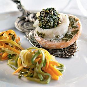 «Розы» из форели и налима с овощными «спагетти»