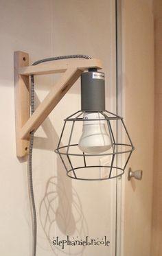 DIY DECO - Faire soi-même une applique lumineuse originale avec une équerre et une lampe baladeuse - Stéphanie bricole