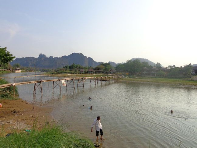 What no one tells your about Vang Vieng, Laos. Travel Blog by www.halfthisworldaway.com