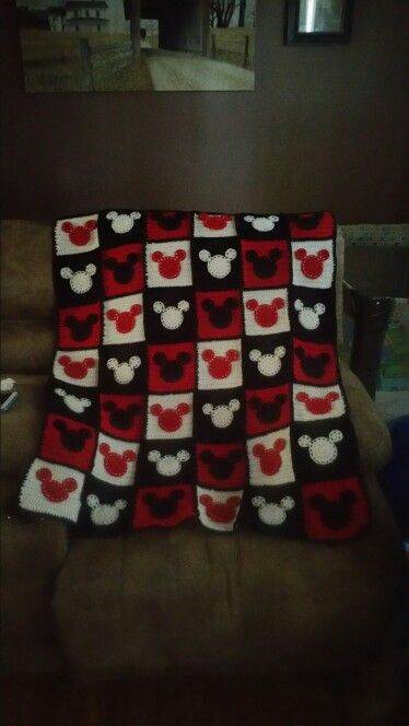 Crochet mickey mouse blanket
