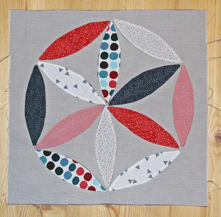 Der Block für den Oktober war – wie auch schon der erste Block von Andrea von der Quiltmanufaktur – anders … er heißt Joseph´s Coat. Es ist ein Block, bei dem wiederum Stoffteile … 6 Köpfe 12 Blöcke
