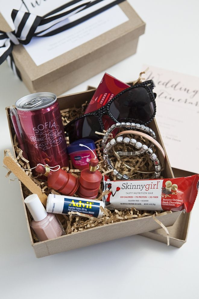 How to make a darling Bridesmaid Survival Kit! http://somethingturquoise.com/2014/07/04/diy-bridesmaid-survival-kit/
