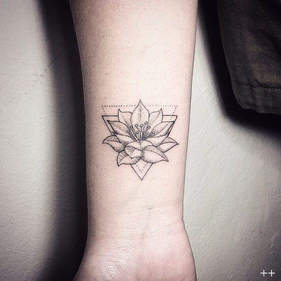 Ms de 25 ideas increbles sobre Tatuajes de rosas en Pinterest