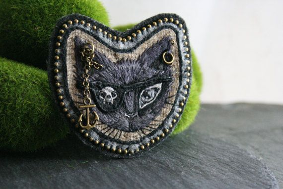 Pirate Cat Patch - Hand Embroidered Patch - OOAK - Sew on Embroidered Patch