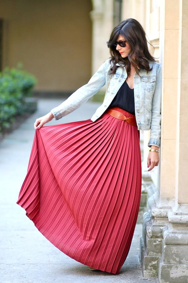 pleated skirt + jeans jacket + black top - From Bons Baisers D'Ailleurs