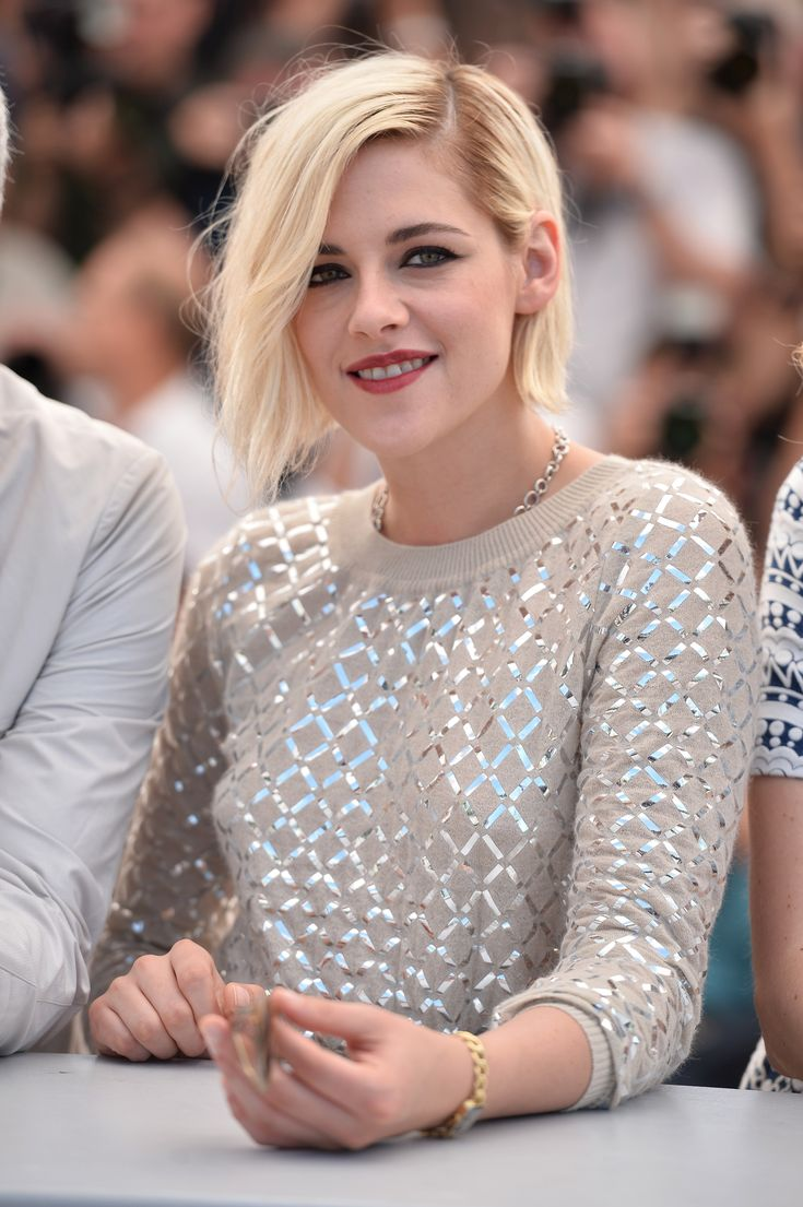 """Kristen Attends The """"Personal Shopper"""" Cannes Photocall"""