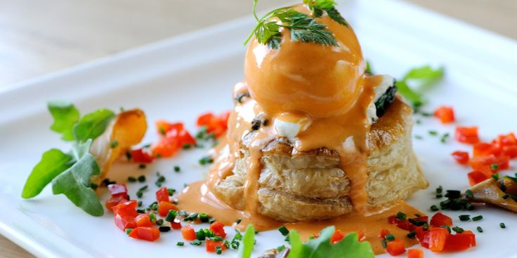 Award-winning chef, Mark Dodson, shares his gourmet vol-au-vents recipe, which includes mushroom, goat's cheese and a poached duck egg – a fantastic vegetarian starter