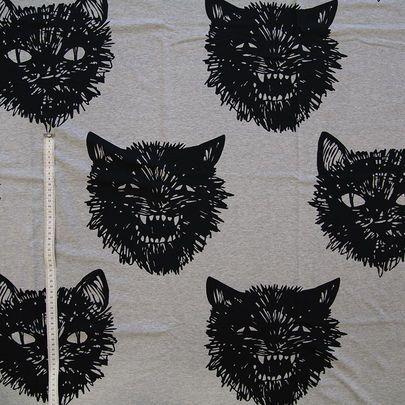Digiprintti: Megakisut jersey, harmaameleerattu / Digital print: Giant Wildcats on grey melange base www.kapynen.com