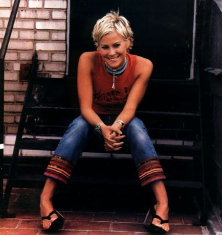 short hair Brittany Daniel 3
