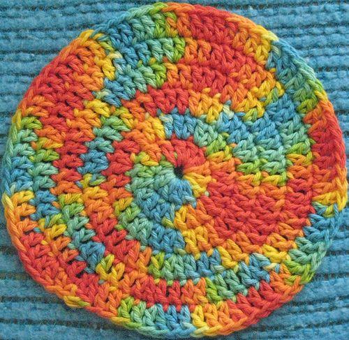 spiral potholder (free pattern @ ravelry)