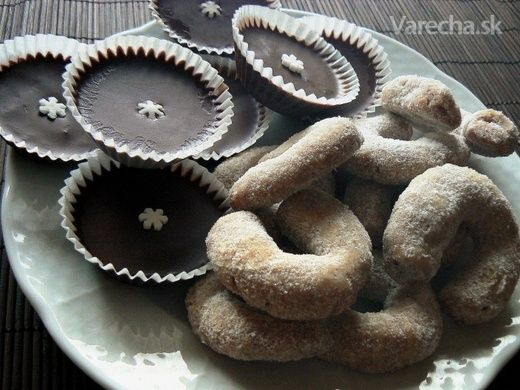 Krehké vanilkové rožteky s mandľami