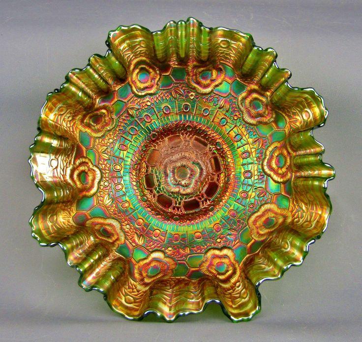 CAPTIVE ROSE - Fenton Green Carnival Glass Bowl