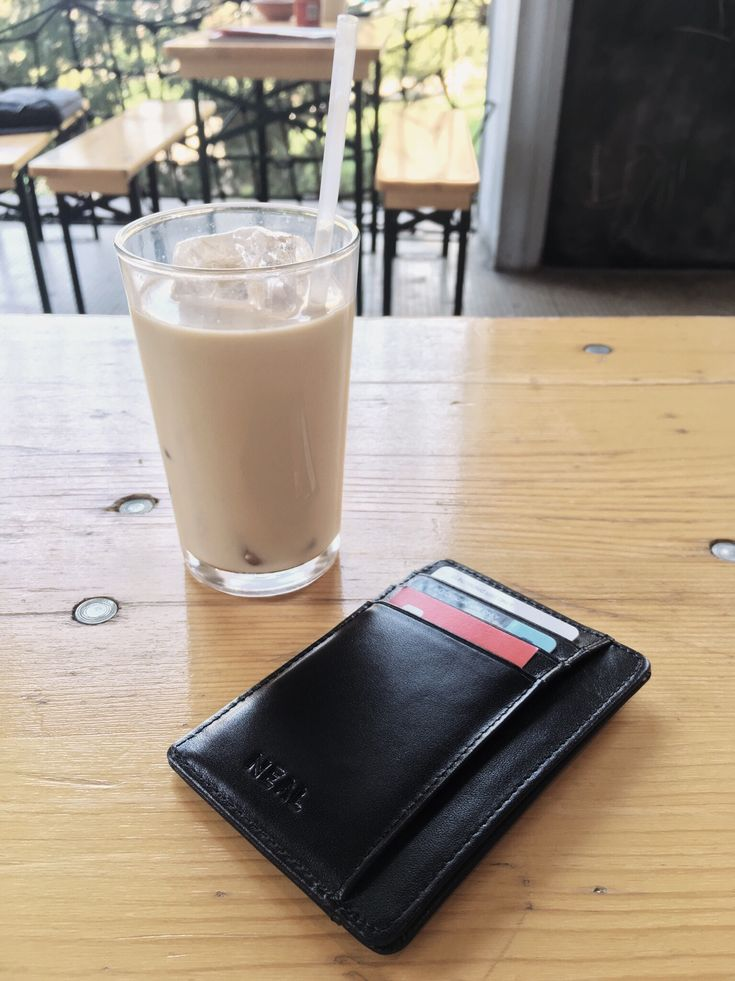 NEAl Slim Wallet fits perfectly in your front pocket and at the same time it is a stylish accessory. #SlimWallet #MinimalistWallet #FrontPocketWallet #LeatherWallet #GiftForHim #PerfectGift