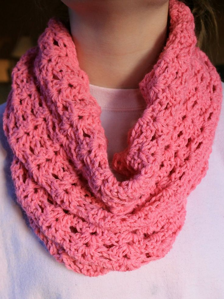Crochet Infinity Scarf Pattern Shell : Infinity scarf - free pattern! :) Enjoy! clothing ...