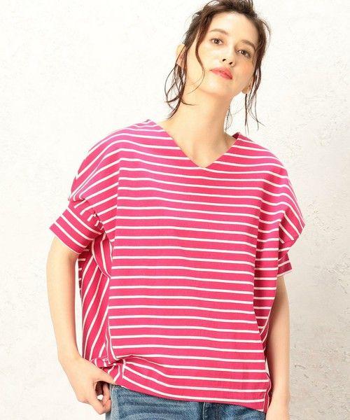 --green label relaxing | CF へヴィウェイト ヘンケイ VN PO カットソー-- ◆この夏大人気!へヴィウェイトTシャツの追加決定◆ 即完売・リクエスト殺到の変形スリーブTシャツの追加&新色販売を行っております。一枚で様になるしっかりとしたコットン素材と、立体スリーブが人気の理由!使い勝手のよい無地と夏に活躍のボーダー柄をご用意しました。存在感抜群の変形プルオーバーはデイリーに◎デニムやスニーカー合わせの大人なカジュアルスタイルにおすすめの一着です。※照明の関係により、実際よりもやや明るく見える場合がございます。またパソコンなどの環境により、若干製品と画像のカラーが異なる場合もございます。予めご了承ください。店舗へお問い合わせの際は、全国のgreen label relaxing 各店舗まで下記の品名/品番をお申し付け下さい。 品名:CF ヘヴィウェイト ヘンケイ VN PO 品番:3617-699-2254