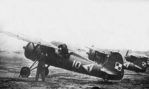 Another picture of Hieronim Dudwał's PZL P.11c plane