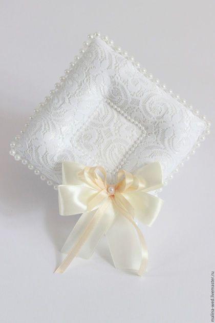 Wedding ring pad / Свадебные аксессуары ручной работы. Ярмарка Мастеров - ручная работа. Купить Подушечка для колец с платформой. Handmade. Комбинированный, подушечка, кружево