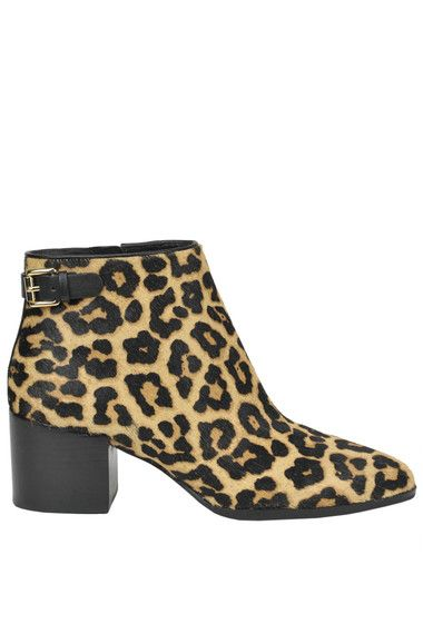Buy Michael Michael Kors Boots and Ankle boots on glamest.com Fashion Outlet, select the Michael Michael Kors Saylor animal print haircalf ankle boots of your choice up to 40% off.