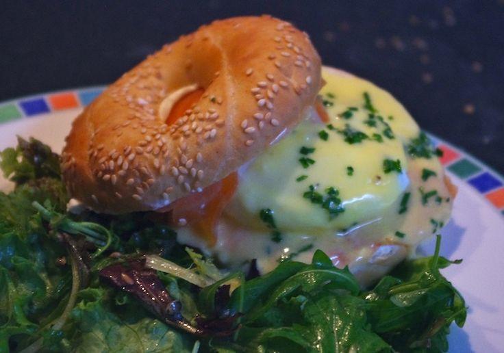 Brunch -eggs royal oeufs benedict saumon sauce hollandaise