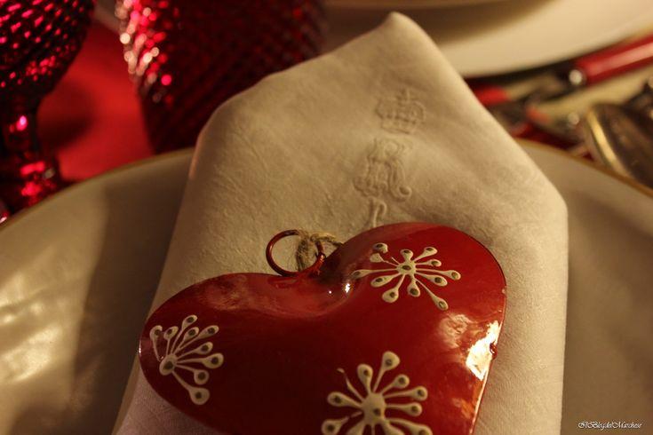 #regalidinatale #tavoledinatale Legatovaglioli natale 2014 a forma di cuore di Novità Home www.novitahome.com Da www.ilblogdelmarchese.com