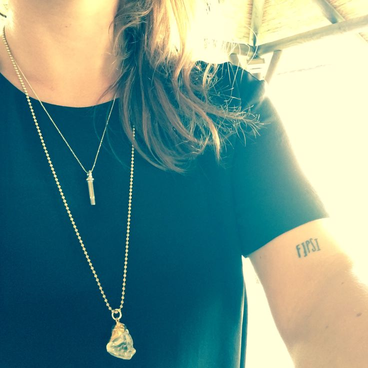 Black & Gold no more needed to look elegant. . . #black #gold #necklace #quartz #quartzjewelry #fine #elegant #fipsi #thetoolery #thetoolerygirl #metrica #métrica #openair #music #musica #electronic #electronica #4everness #miguelpayda #meencanta