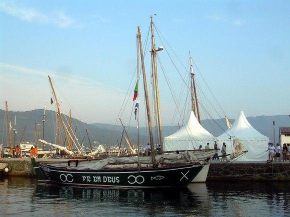 """fgcmf encontro embarcações freixo galiza 2013  """"Fe em Deus"""" portuguese lugger from Povoa de Varzim - barco poveiro"""