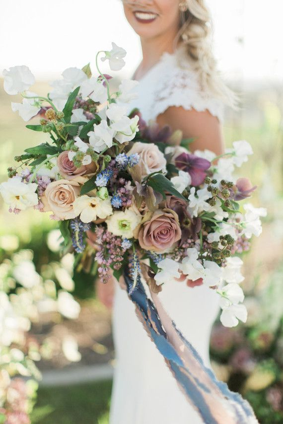 Photography: Jenna Joseph | Venue: Avensole Winery | Planning & Styling: Tres Chic Affairs | Florals: Carla Kayes Floral Design | Hair & Makeup: Heidi Marie Garrett | Dress: M Bride